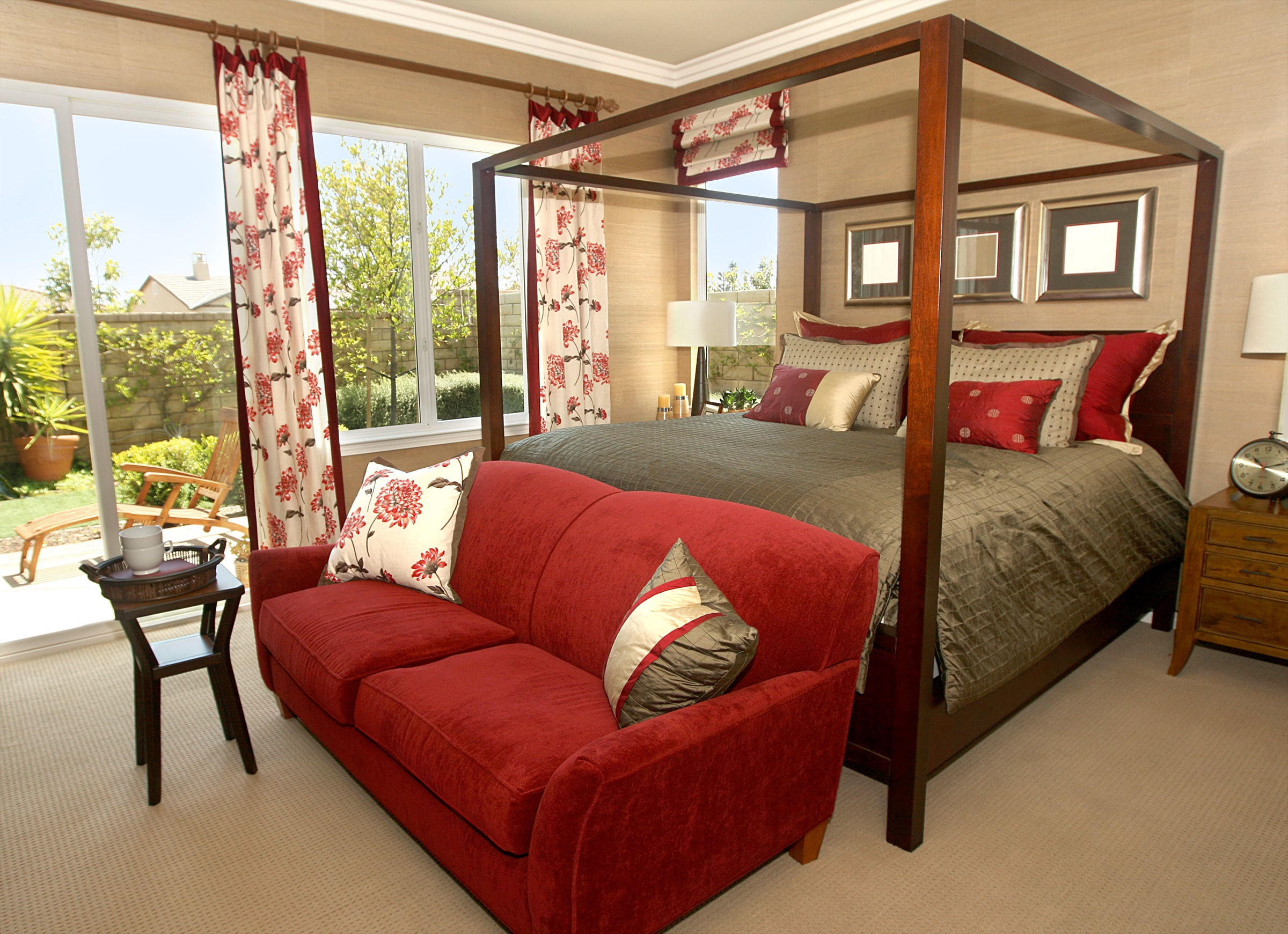 Image of: Pros And Cons Of Canopy Beds Custom Home Group