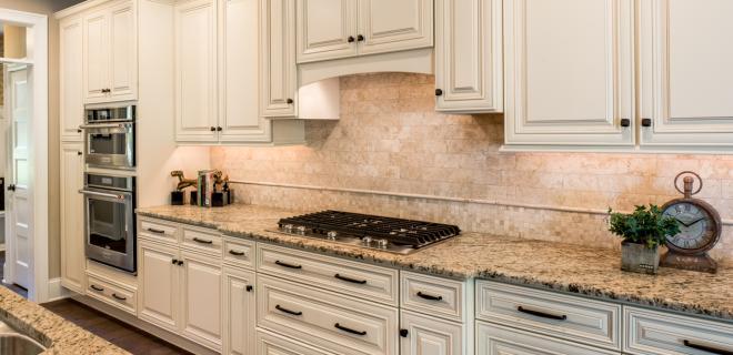 natural stone backsplash in kitchen
