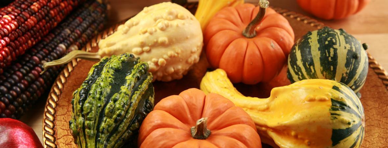 useful september decor advice - autumn harvest centerpiece