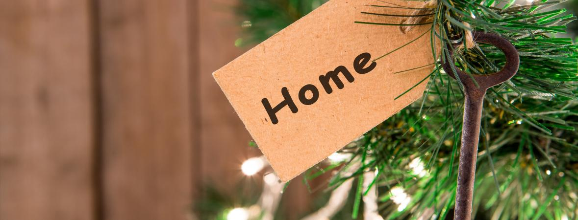holiday homes on parade 2017 - key with home tag