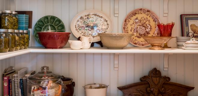 declutter your home - organized shelves