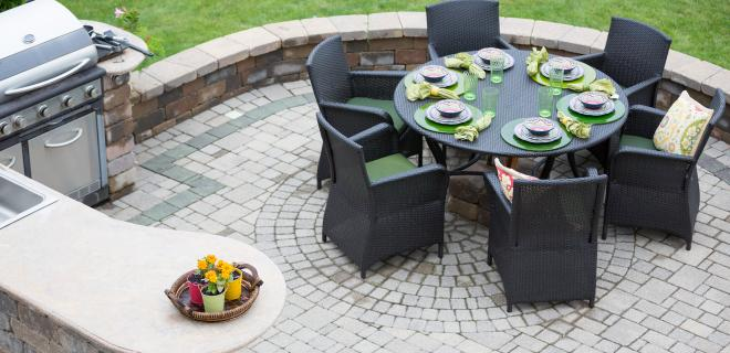 outdoor living spaces - elegant outdoor kitchen and dining area