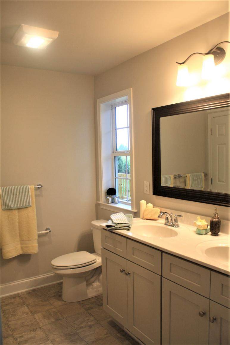 dual vanity sinks in master bathroom