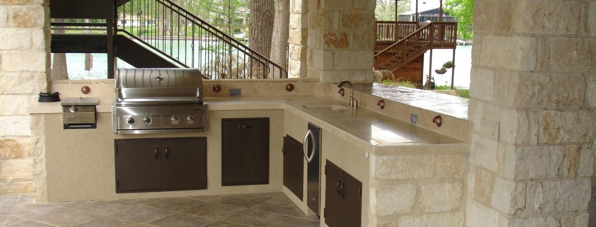Pros and Cons of Outdoor Kitchens | Custom Home Group